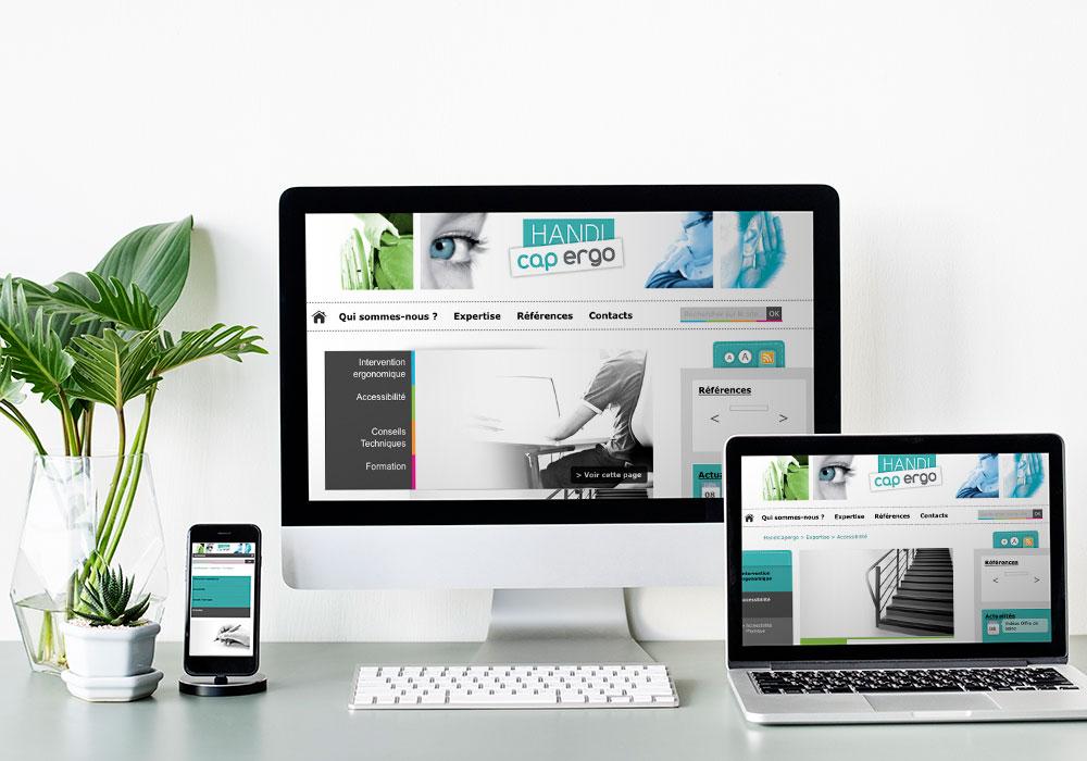 Mock up web design sur trois écrans de tailles différentes
